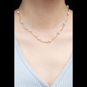 Brandy Melville gold faux pearl choker